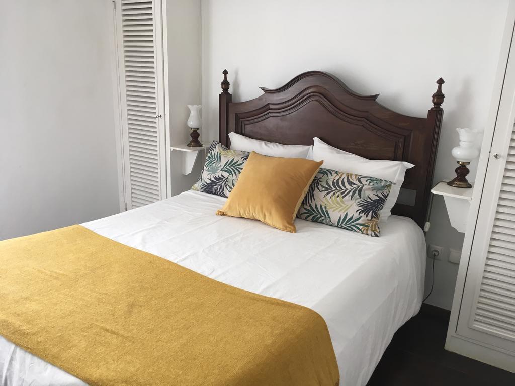 Quarto Duplo Ou Twin Com Vista Mar Lateral Hotel Ribamar Nazaré
